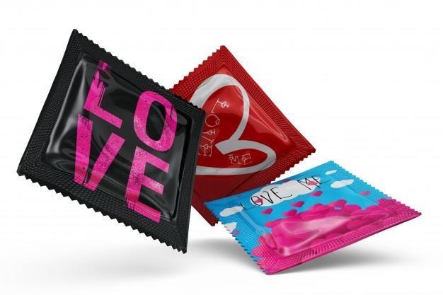 تصویر کاندوم یکی از راههای جلوگیری از زگیل تناسلی